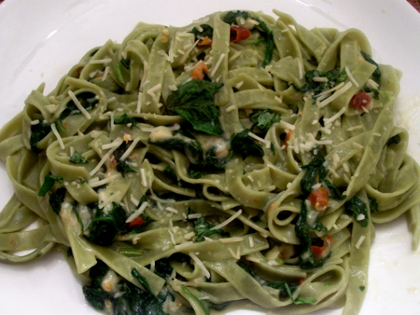 Spicy Spinach Pasta With Garlic And Basil | Ode2Food