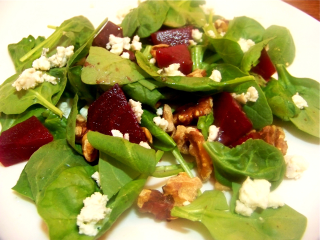Roasted Beet-Walnut-Spinach Salad with Blue Cheese | Ode 2 Food